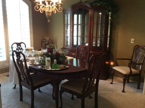Stunning Pennsylvania House dining room set. Hutch has lots of storage and lighting.
